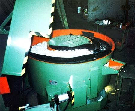 Vibra VF-18 Batch Bowl Style Vibratory Finishing Machine